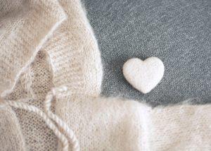 cuore decorativo bianco per studio